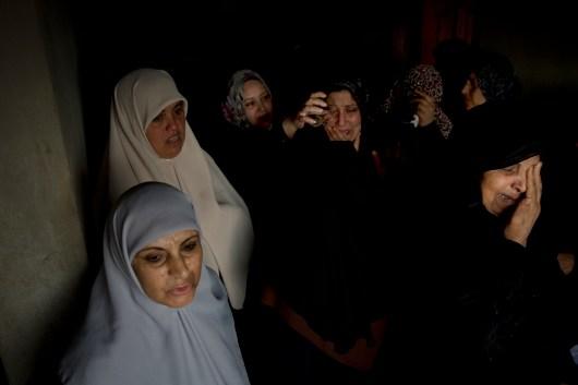GazaWar2012_NYT_Nov18_LargeBombing_0140