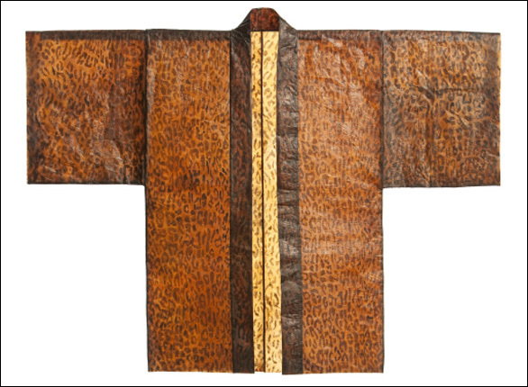 Top: Skylar Tibbits shares how self-assembly works. Above: A kimono made of Lee's microbial cellulose. Photo: BioCouture