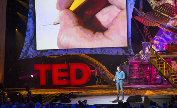 Phil-Hansen-at-TED2013