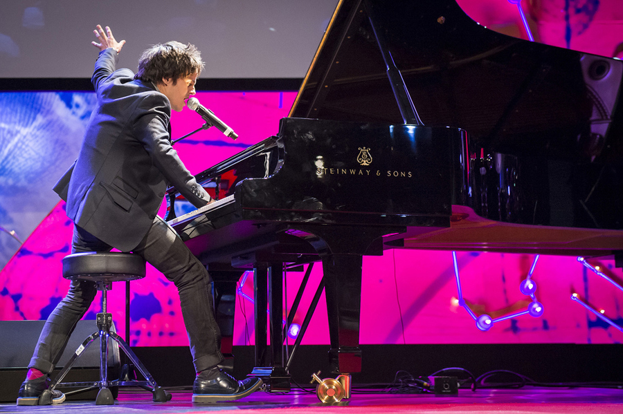 "Jamie Cullum plays a rockin' piano set. Great moment: his version of ""Pure Imagination."" Photo: James Duncan Davidson"