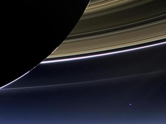 On July 19, 2013, the wide-angle camera on NASA's Cassini spacecraft captured Saturn's rings and our planet Earth and its moon. Photo: NASA/JPL-Caltech/Space Science Institute