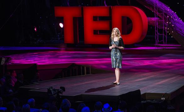 Eleanor-Longden-speaks-at-TED2013