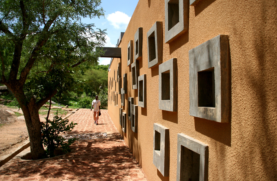 And a look at the beautiful façade of the clinic. Photo: Francis Kéré