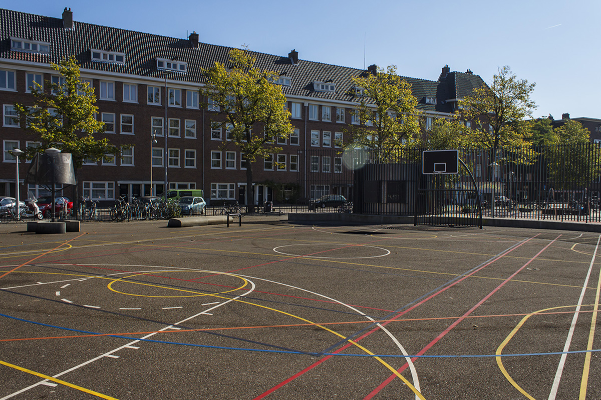 A playground in Columbusplein. The lines of the court inspired a flag for a micronation. Photo: Jorge Mañes Rubio