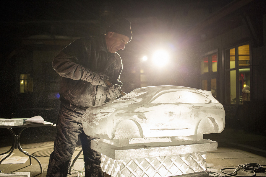 At TEDActive, an ice sculptor does an ode to The Lincoln Motor Company. Photo: Stacie McChesney