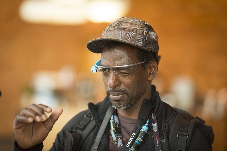 Former TED speaker Ron Finley test drives Google Glass. Free demos were available for all. Photo: Bret Hartman