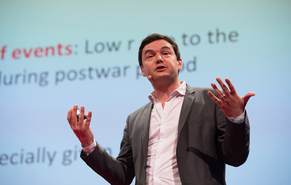 Thomas Piketty talks to the TEDSalon Berlin audience about economic inequality. Photo: James Duncan Davidson