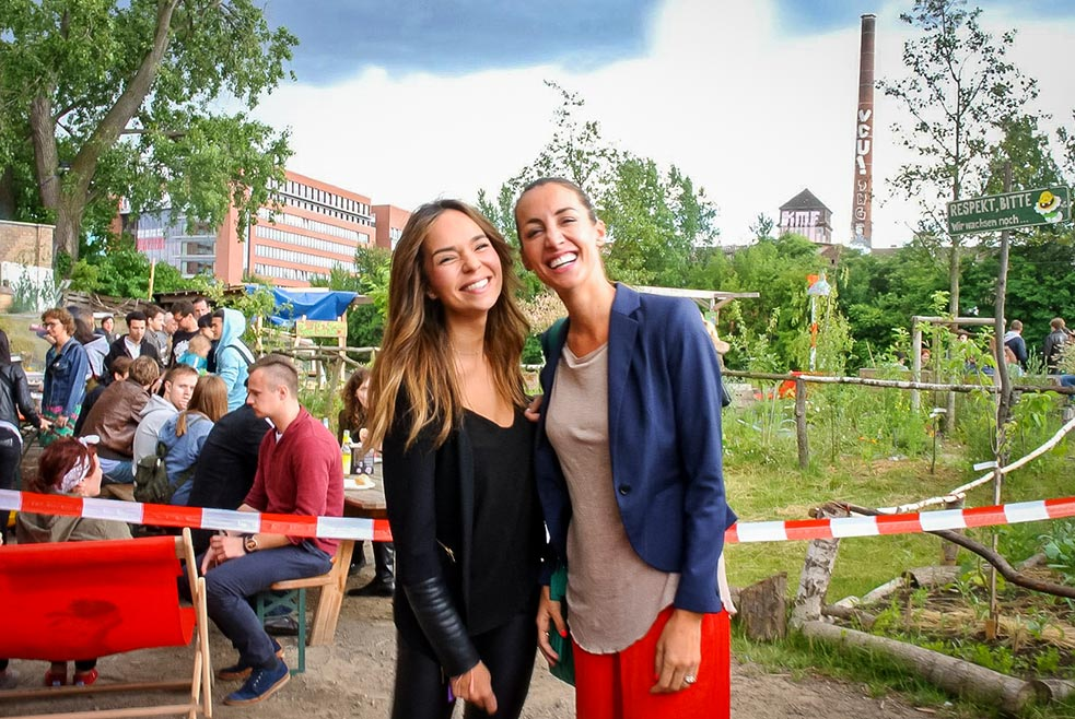 Two organizers take a moment at a barbecue held by TEDxBerlin. Photo: Richard Hsu