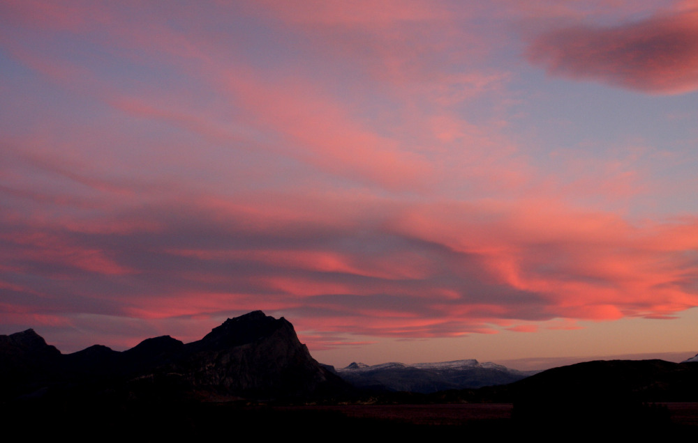 A stunning sunset over Rødøy. Photo: Winston Chen