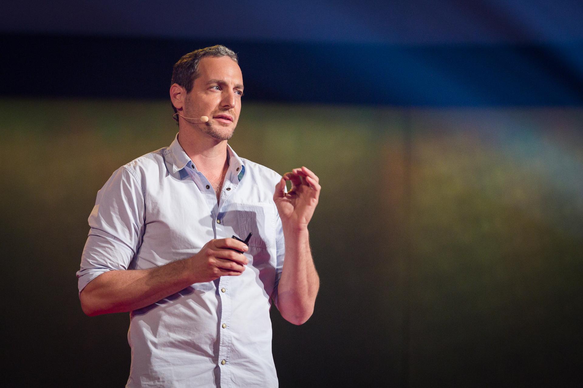Oren Yakobovich speaking at TEDGlobal 2014.
