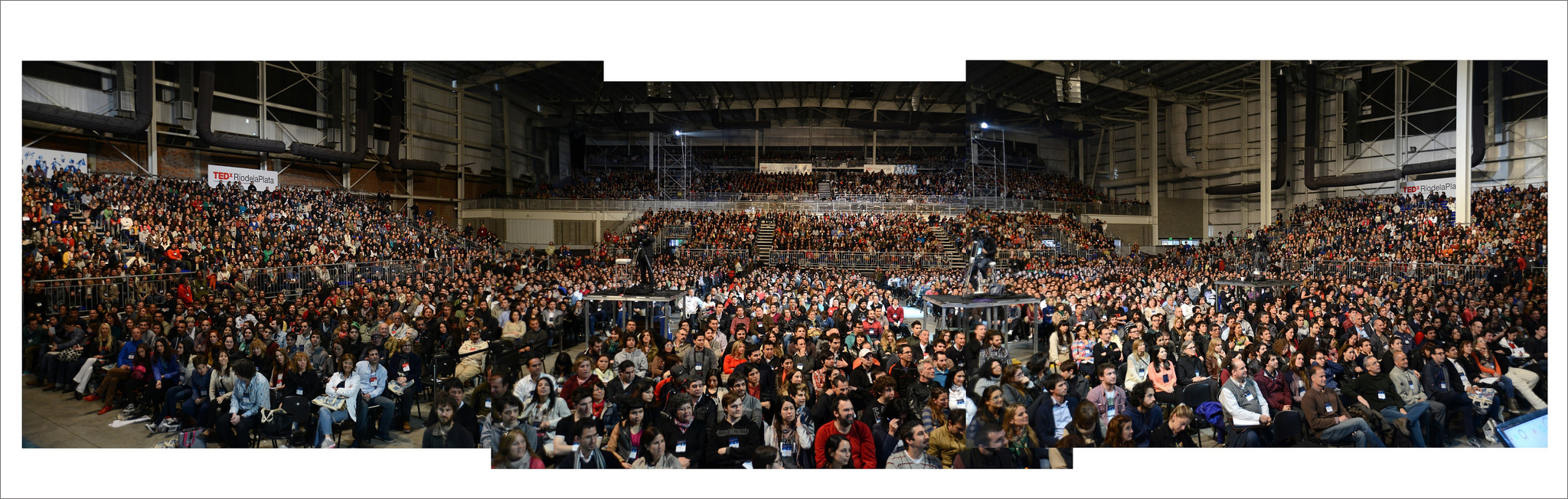 A composite image of the crowd.