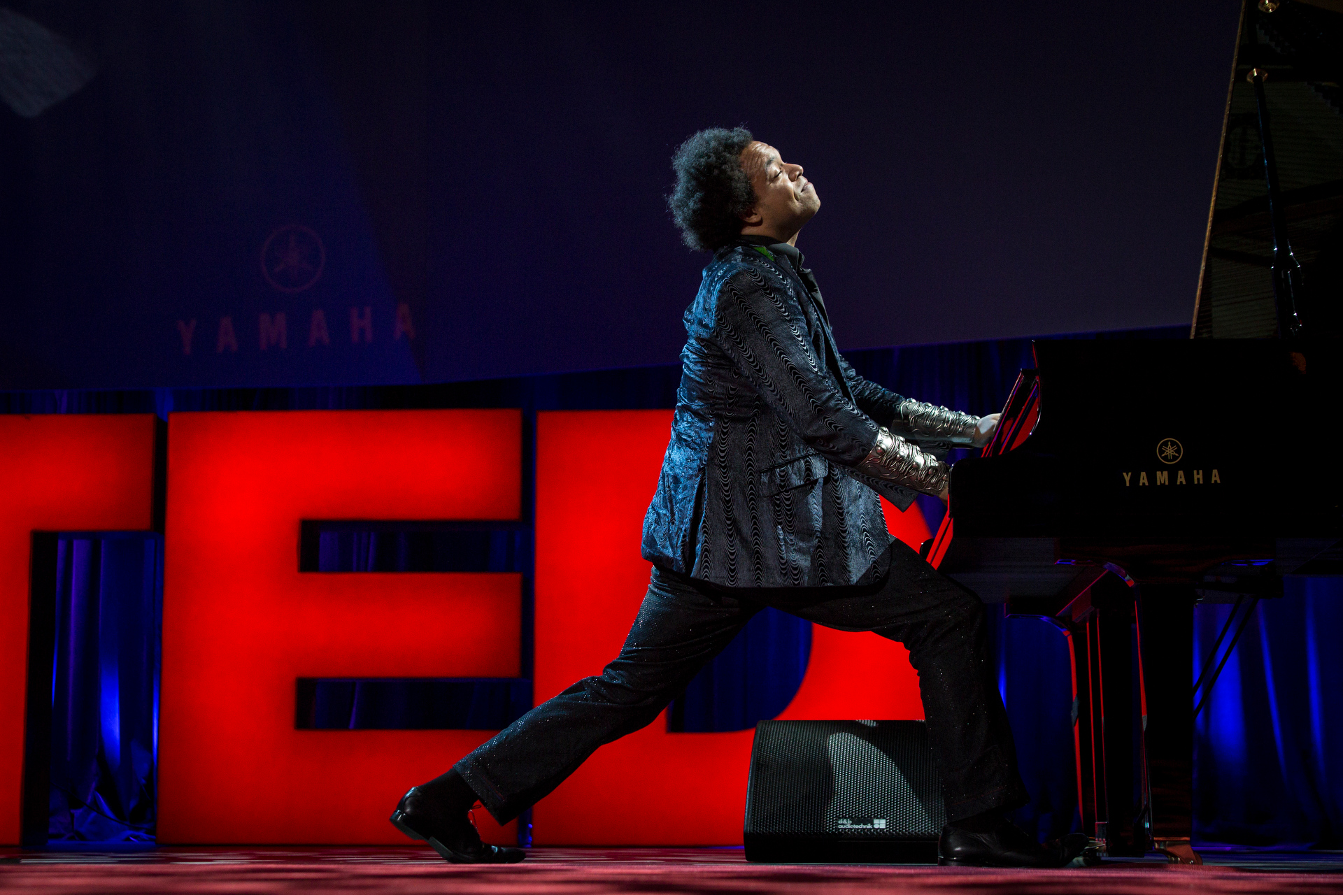 Eric Lewis (Elew) performs at TED2015 - Truth and Dare, TED University. Photo: Bret Hartman/TED