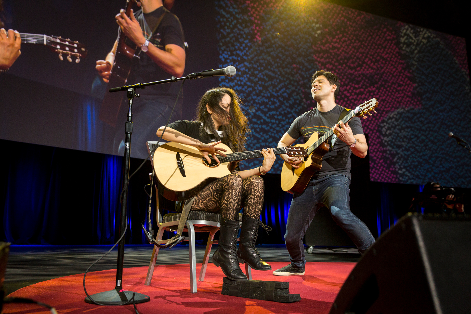 Mexican guitar duo Rodrigo y Gabriela rock out with an electrifying acoustic performance. Photo: Bret Hartman/TED