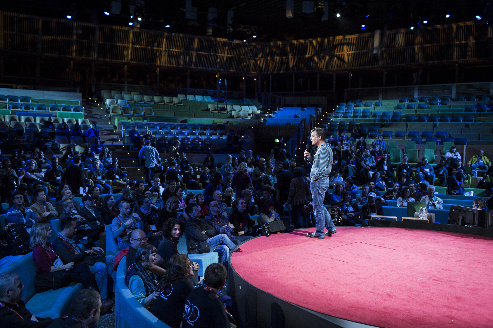 Chris Anderson addresses TEDx organizers from around the world in the TED2015 theater, making use of that 16 foot stage. Photo: James Duncan Davidson/TED