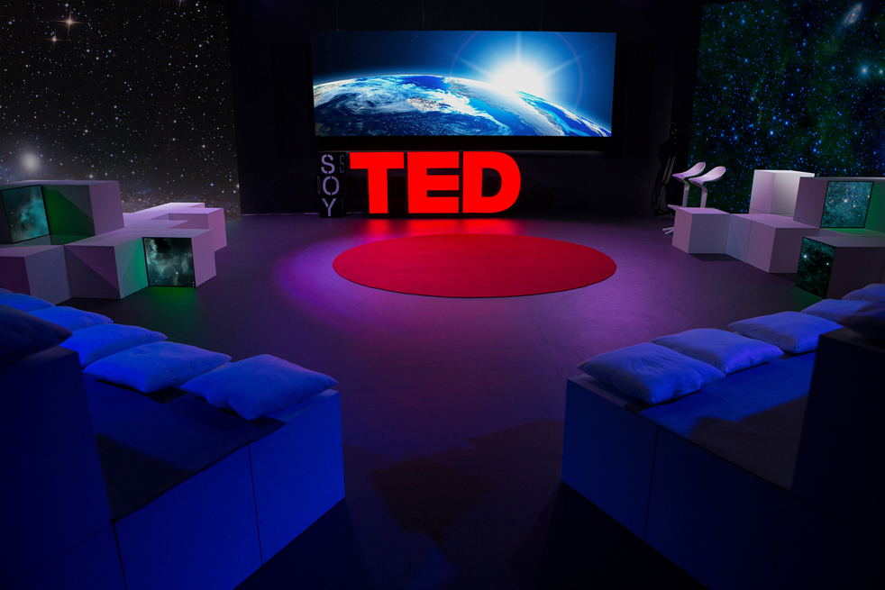 Soy TED brings together the ideas from TED Talks and live studio guests who have a personal connection to them. Screens throughout the studio allow for rich imagery. Photo: Courtesy of Soy TED