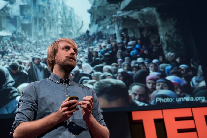 Norwegian journalist Anders Fjellberg told the heartbreaking story at TEDGlobal>London of how he identified two Syrian men who had attempted to swim the English Channel. Instead of finding opportunity, their bodies washed ashore in Norway and the Netherlands. Photo: James Duncan Davidson/TED
