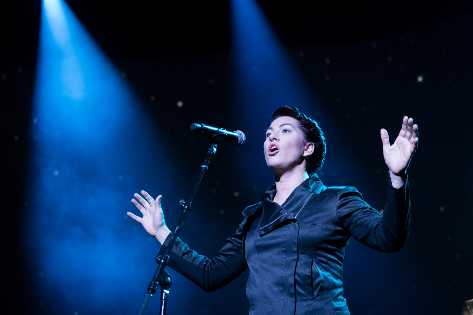 Amanda Palmer performs at TED2016 - Dream, February 15-19, 2016, Vancouver Convention Center, Vancouver, Canada. Photo: Bret Hartman / TED