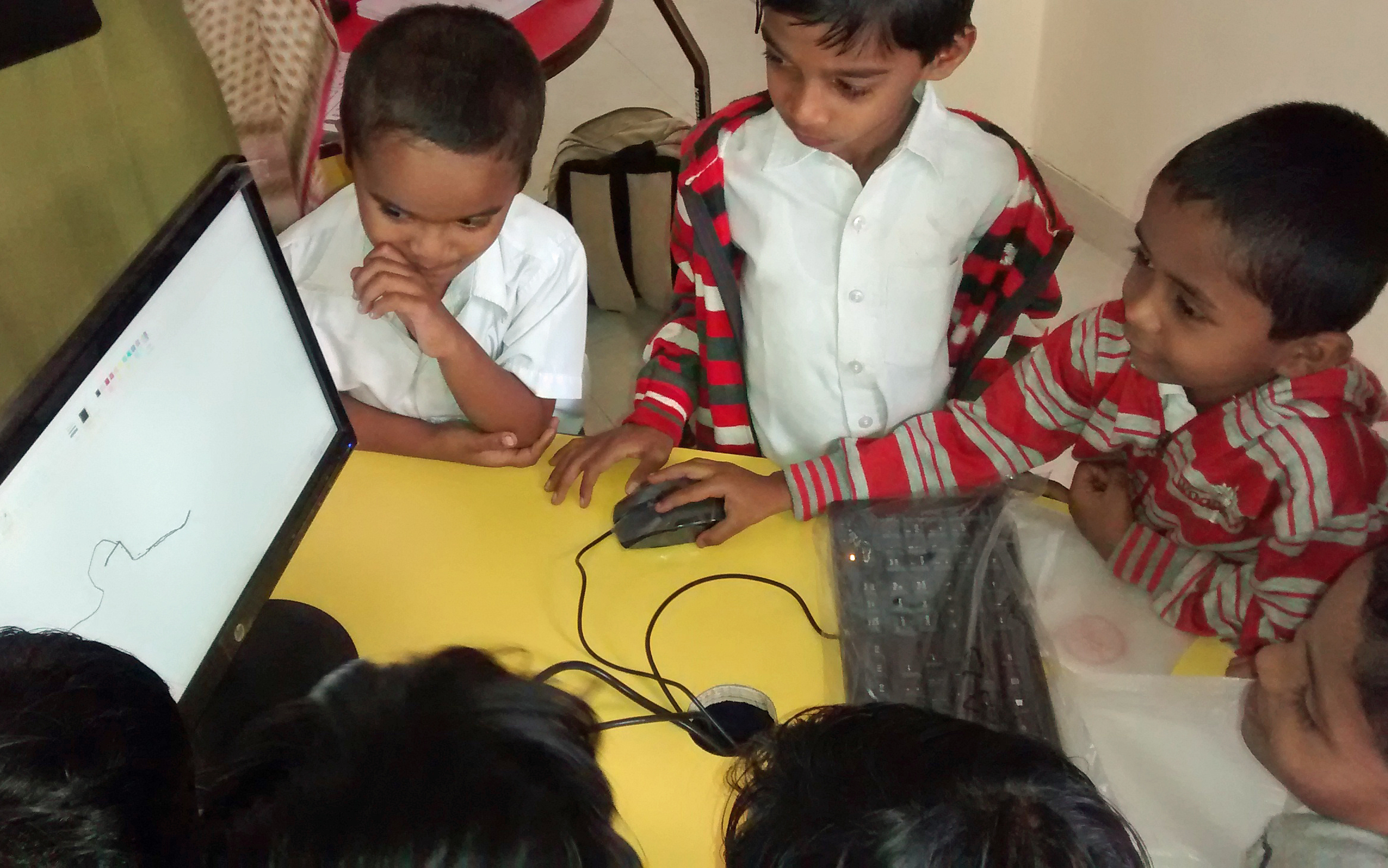 At the School in the Cloud Area 4 in Phaltan, India, students who've never used computers before quickly build skills. Photo: Courtesy of School in the Cloud