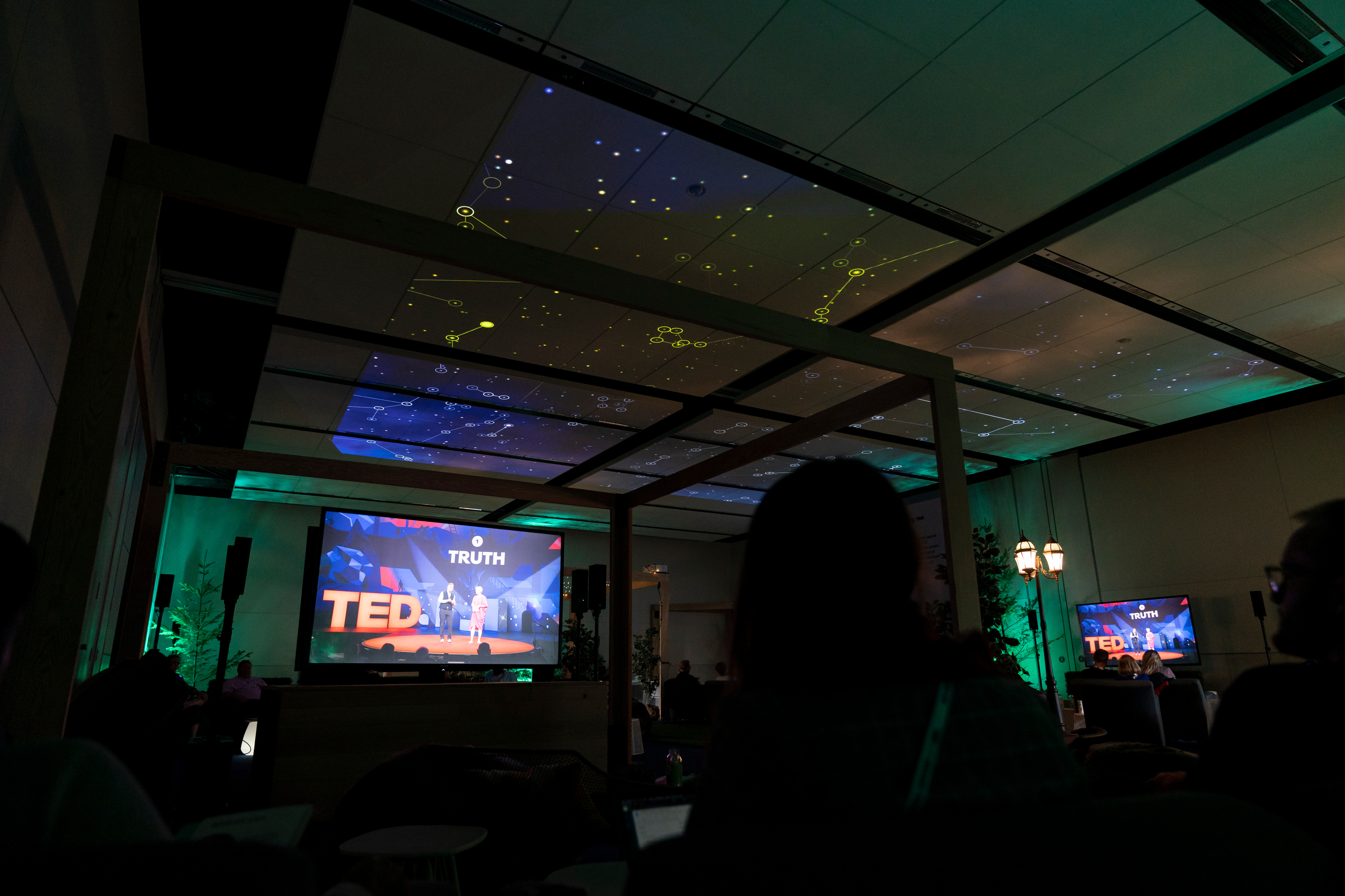A meditative soundscape and a ceiling full of stars turned this simulcast space into a calm, relaxing environment, thanks to sound design from Meyer Sound.