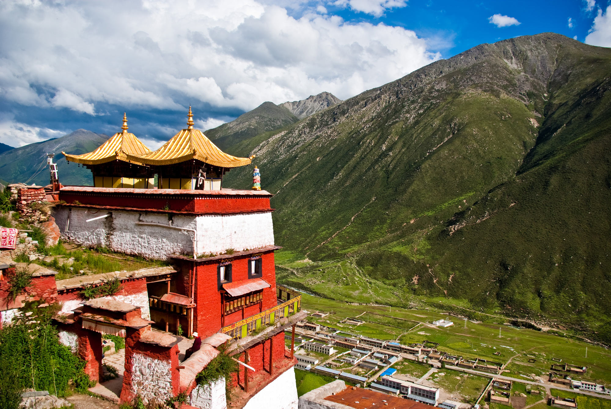 The Drigung Monastery is famous for performing sky burials. Photo by Antoine Taveneaux/Wikimedia.