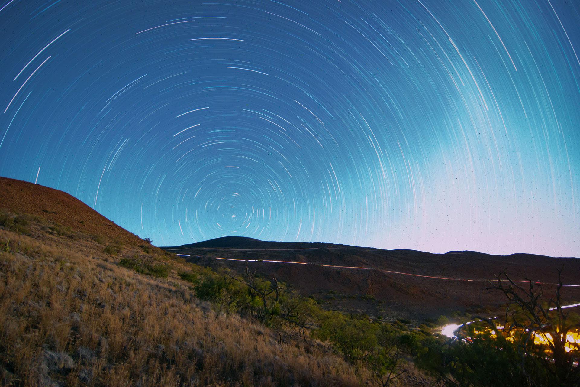 Mauna Kea Star Trail. Photo by Justin McWilliams/Flickr. https://www.flickr.com/photos/drumskater80/7546090148/in/photolist-cuPFGy-cuPGbN-cuPGMQ-cXWA5u-cuPEP9