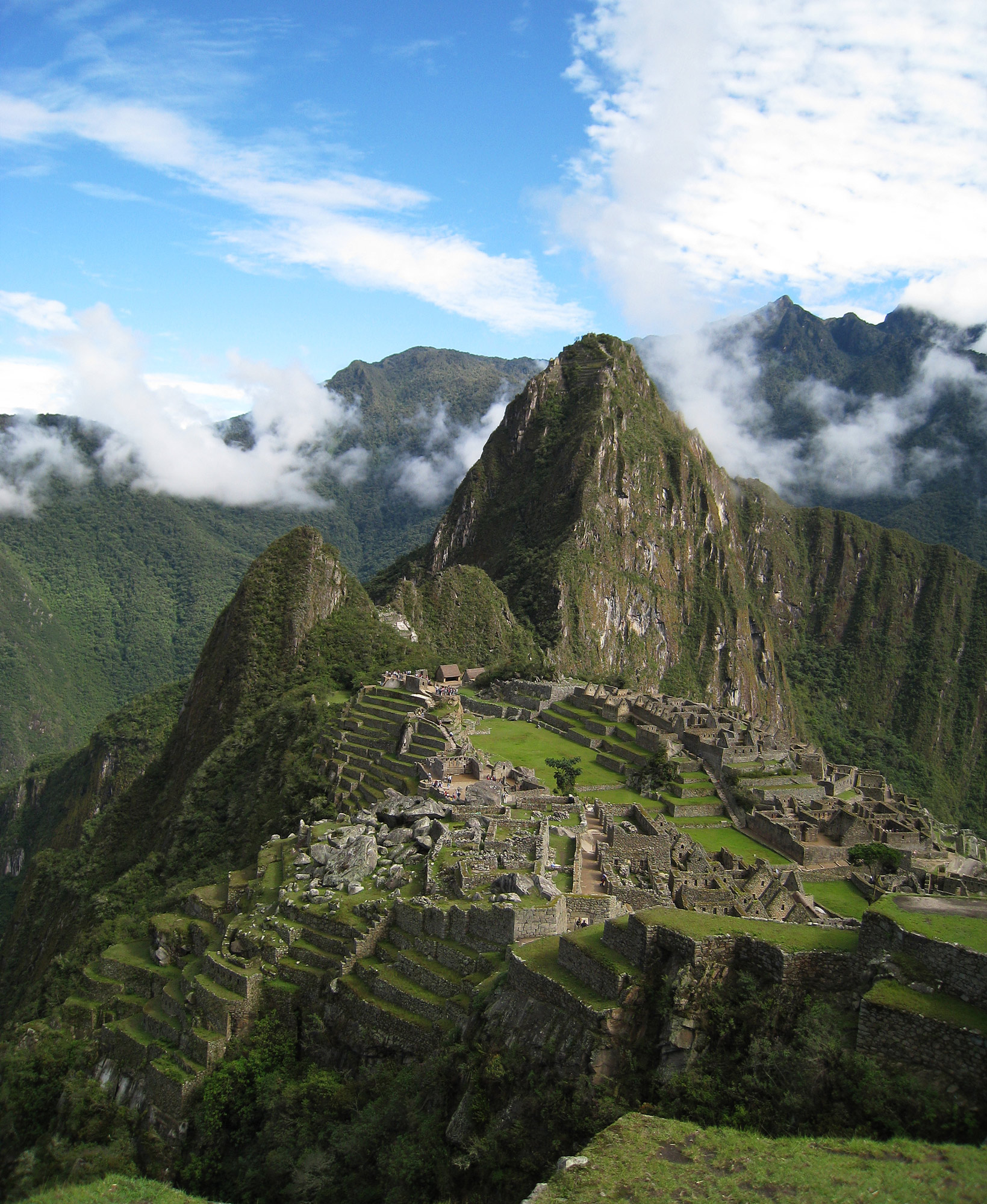 Peru's most well-known ancient ruins, Machu Picchu. Photo by Flickr user Icelight (CC BY).